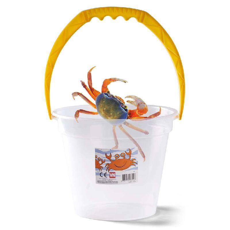 En spand til at havde dinne krabber i hvis du fanger nogle. Kan også bruges til at lege i sand