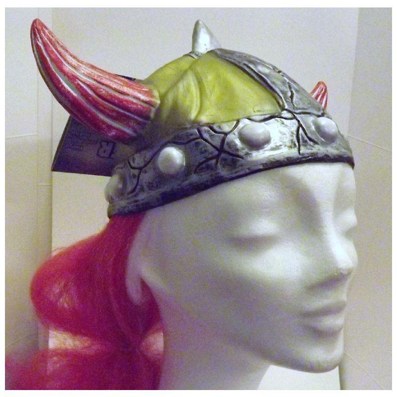 Skal du v�re viking eller skal til fodbold-, h�ndbold-  eller andet landskamp er denne hjelm lige noget for dig.