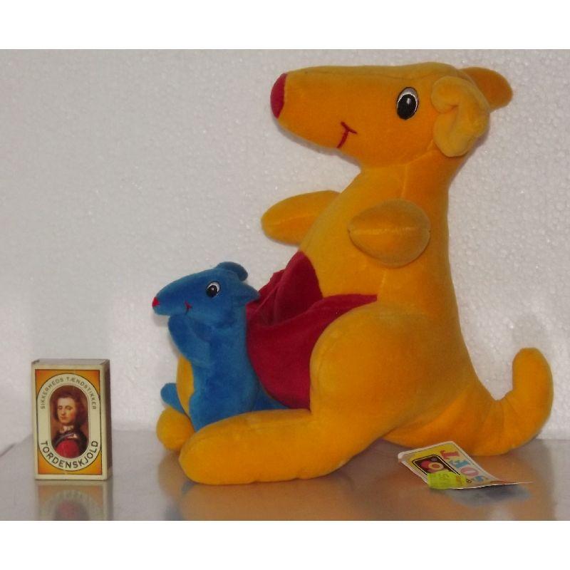 Brio kænguru med baby og ranglelyd.