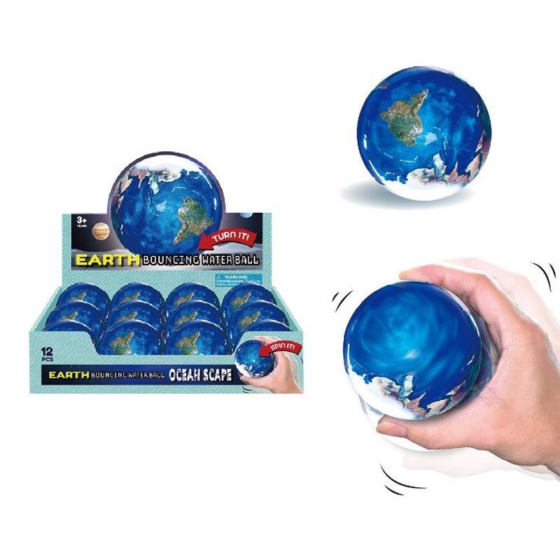 Sk�n lille hoppebold med vand indeni og verdenskortet dekoreret udenp�