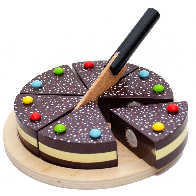 Den fine chokoladekage passer til børn som kan lide at være i  sit køkken. Kagen er delt op 6 fine stk. Hvor der medfølger en  lille kniv til at skære dem over i.