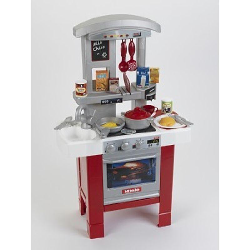 Legekøkken med tilbehør. Mange forskellige køkkenting.  Mad, pande, gryde o.s.v. Kan bruges til at lege køkken og  lave mad.