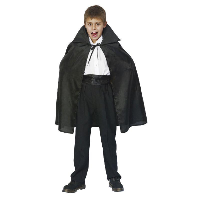 Kappe fra Dracula. Tag kappen på og leg at du er Dracula. Køb  tænderne, sminke o.s.v.ved siden af. Skriv str i  kommentarfeltet ved bestilling. Str. 110-116, str 122- 134