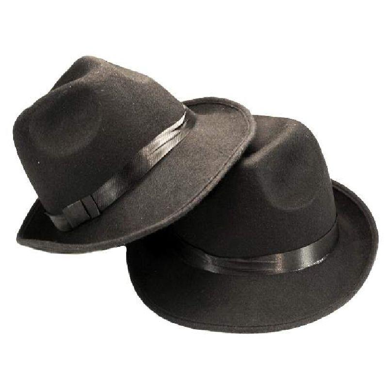 Bem�rk b�ndet omkring hatten er sort og hvid ternet