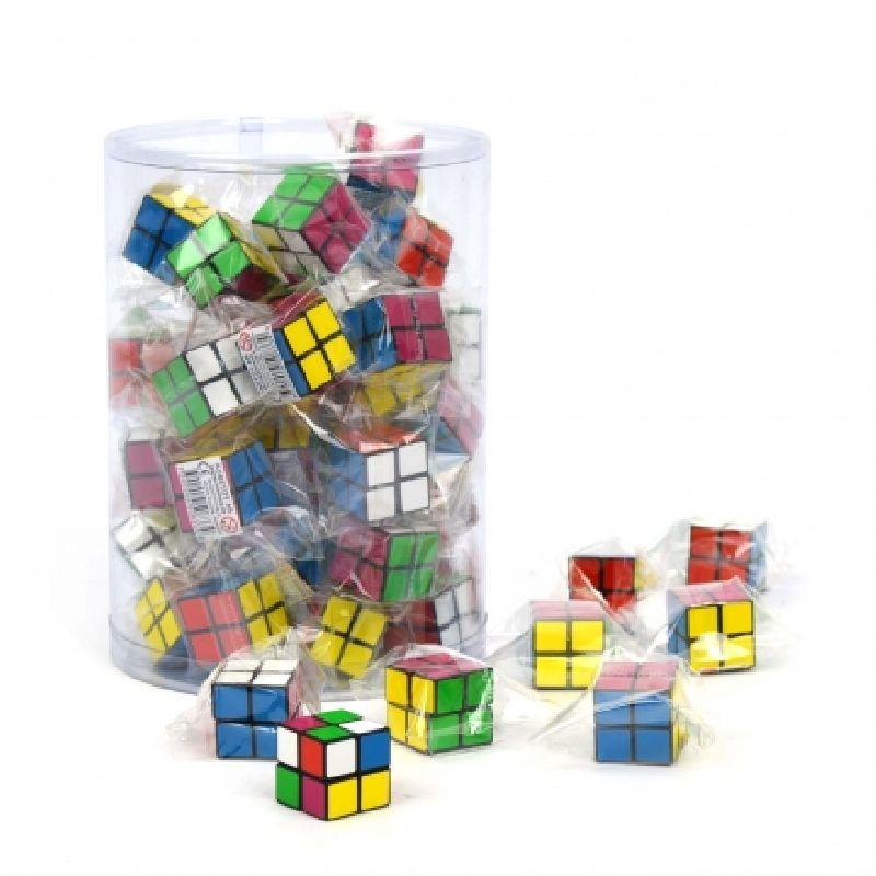 Den kendte Rubiks terning en en mindre udgave her er kun  2x2 felter på alle sider så den skulle være lidt neme at  arbejdet med.