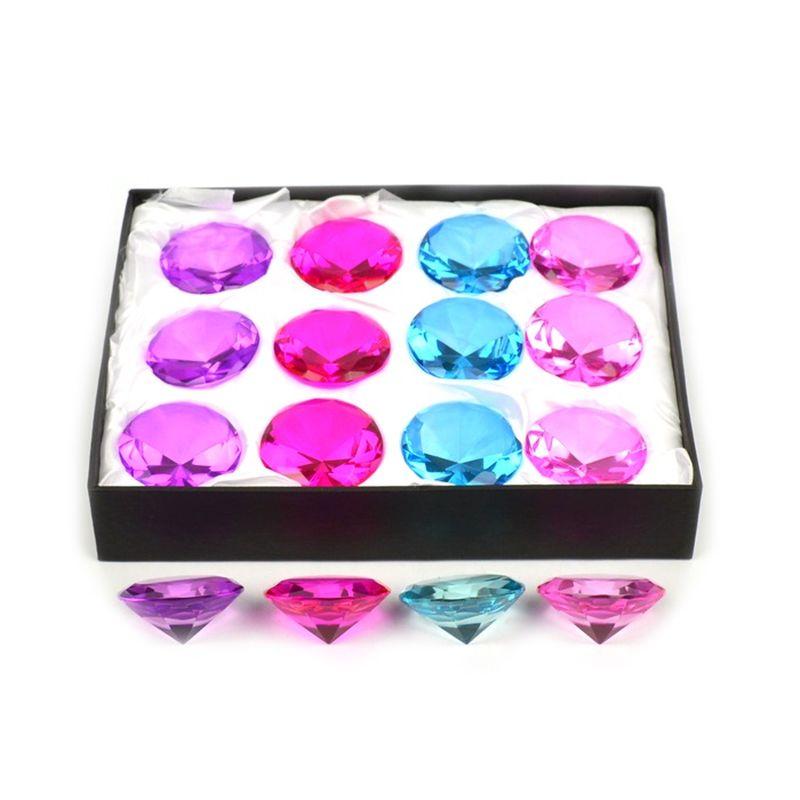 En diamant skal der til, kan bruges til pynt eller hvis man  mangle en skat at lege med.