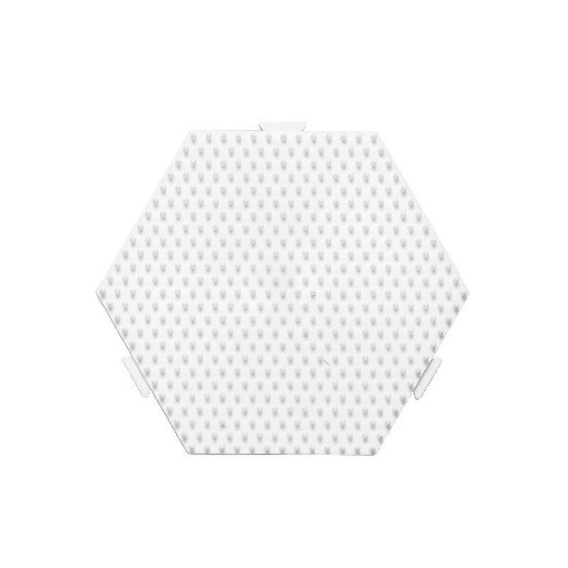 Perleplade med 6 kanter. Kan bygges/s�ttes sammen med  flere plader. Hama perleplade til midi perler.1 stk til  m�nster og motiver.
