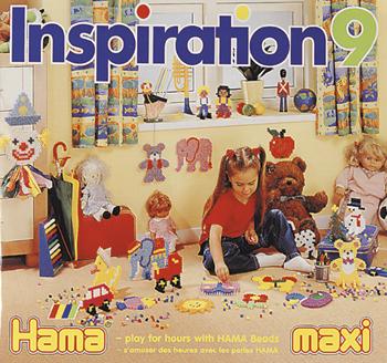 Hama� inspirationsh�fte nr. 9 er for de mindre b�rn, hvor  de kan l�gge en gennemsigtig perleplade p� billedet og  bygge efter det med maxi perler. Mange sjove billeder i  flotte farver.