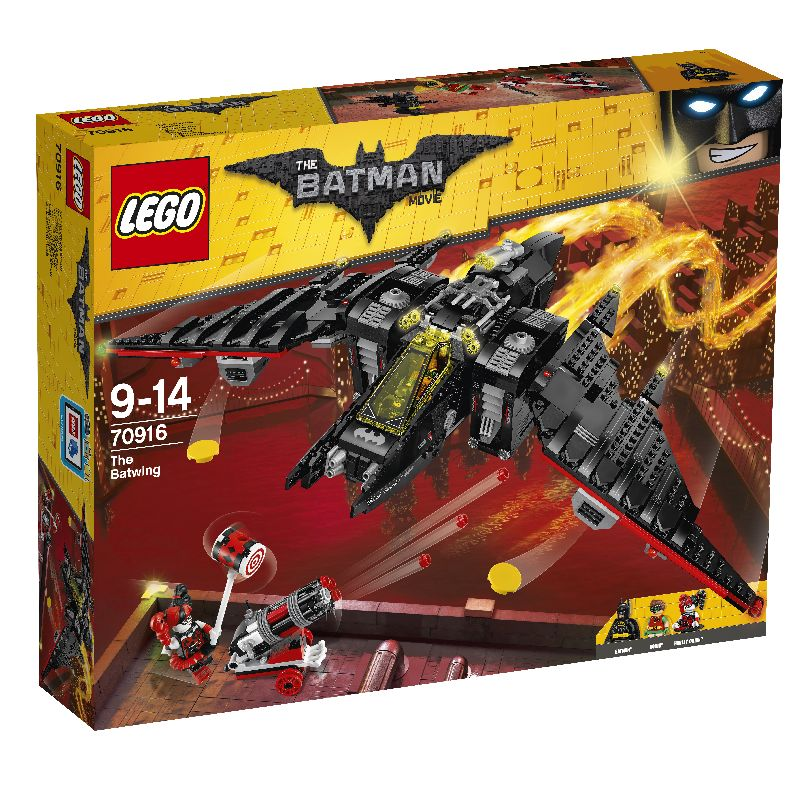 The Batman movie kan du f� en flot kasse, hvor du skal samle  Batman og Robin flyver, hvor der er mange flotte dele til  flyver. Harley Quinn er ogs� med i pakken og der er der en  kanon s� n�r du affyre kommer der r�de ting ud af.