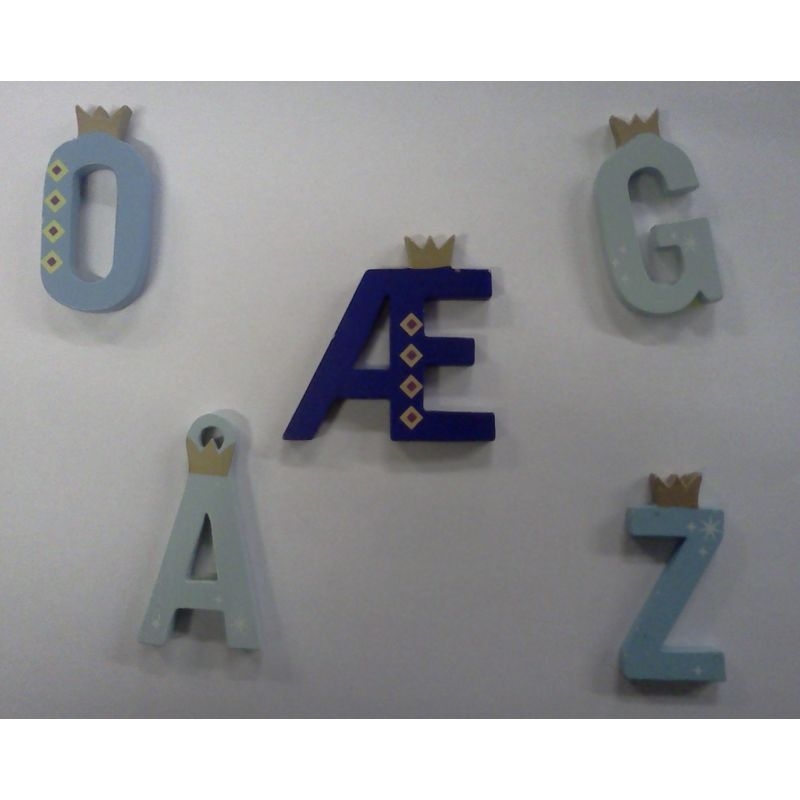 Bogstaverne levere i følgender ass. farver Lyseblå, Blå,  Trukis og Mørk blå